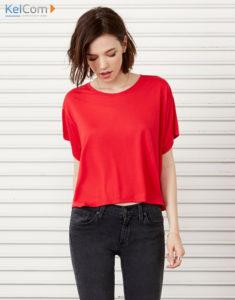 Le rouge est incontestablement la couleur la plus romantique et cela tombe bien car c'est la tendance du printemps 2018 ! Ce top fluide séduira vos clients avec douceur.